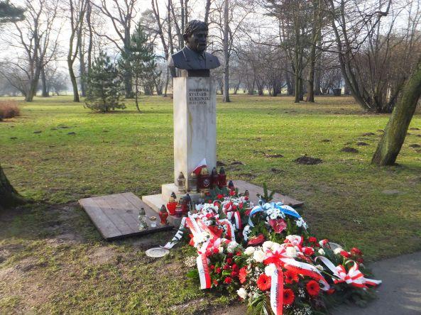 pomnik 13 po południu